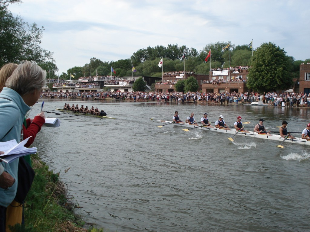 Wolfson M1 bumps Univ on Saturday of Summer Eights 2011, reaching fourth on the river!