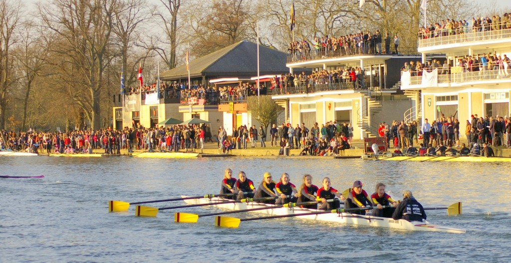Wolfson women's first boat competes in Torpids 2013.